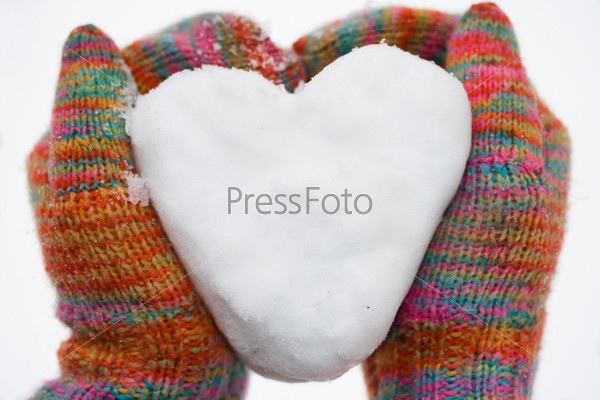 Фотография на тему Сердце из снега