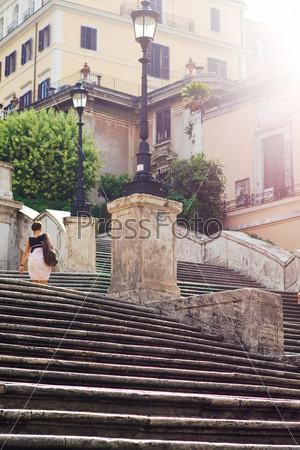 Фотография на тему Утро в Риме, туман, лестница, солнечный свет
