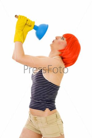 Фотография на тему Шокированная женщина с рыжими волосами смотрит на вантуз