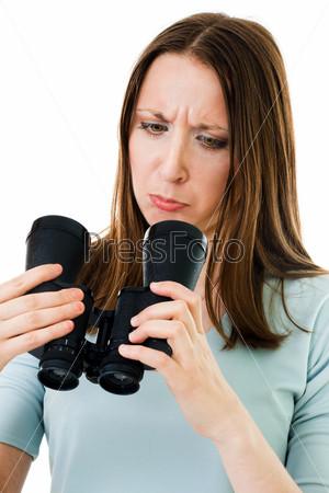 Фотография на тему Женщина, держащая бинокль