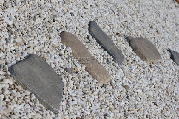 Тропа из камней