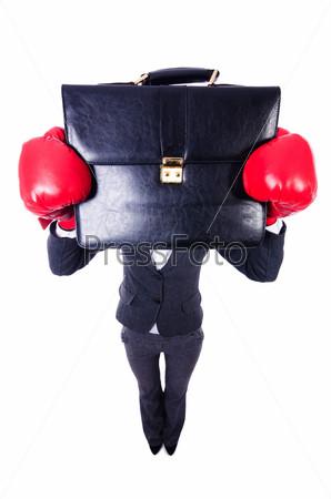Женщина с боксерскими перчатками на белом