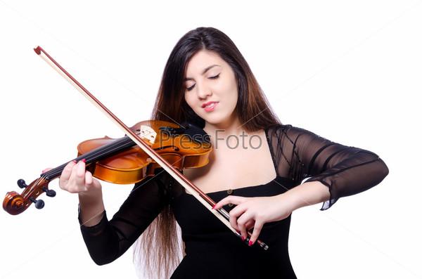 Молодой исполнитель со скрипкой на белом