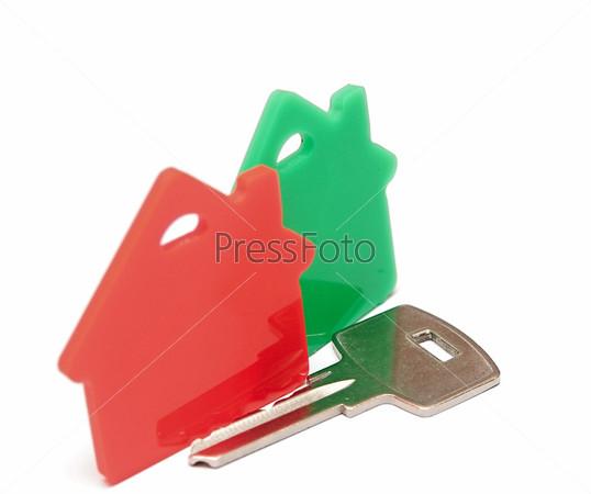 Фотография на тему Красный и зеленый знаки недвижимость, изолированные на белом фоне