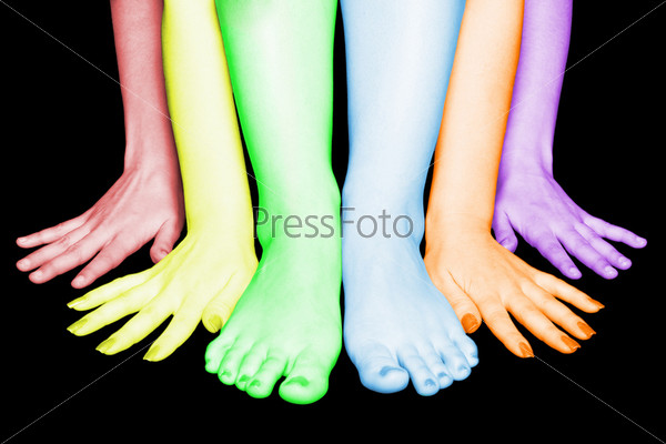 Фотография на тему Четыре руки и две ноги на черном фоне