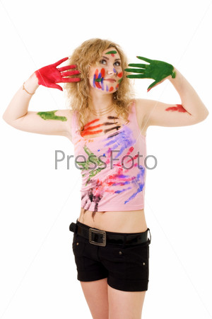 Фотография на тему Блондинка с отпечатками краски на лице и одежды