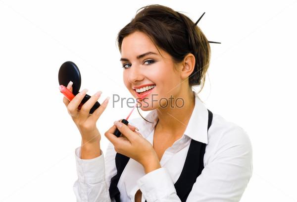 Фотография на тему Женщина красит губы