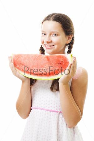 Девушка с куском арбуза