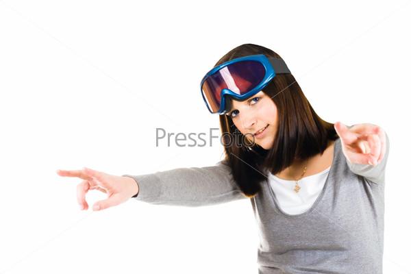 Женщина в защитных очках