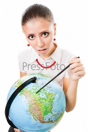 Фотография на тему Молодая женщина с глобусом
