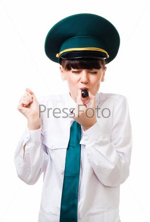 Фотография на тему Женщина-таможенник дует в свисток