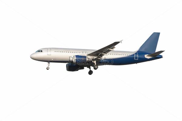 Самолет на фоне неба  rabstolnet