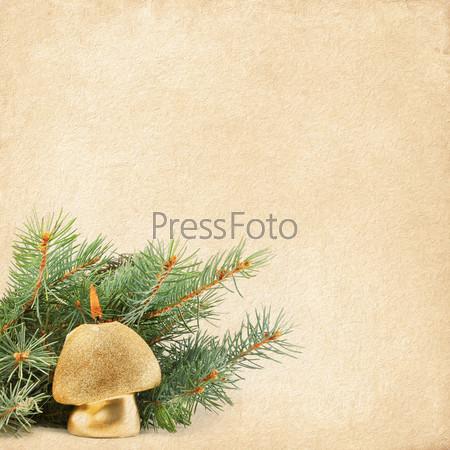 Фотография на тему Новогодняя композиция, горящая свеча и ветки елки