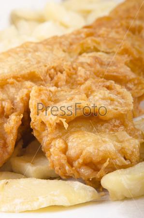 Традиционная британская рыба и чипсы