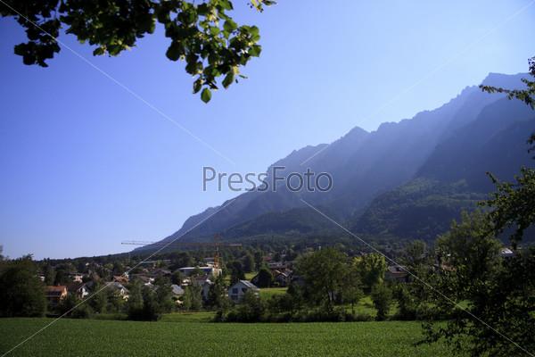Фотография на тему Деревушка в горах. Лихтенштейн