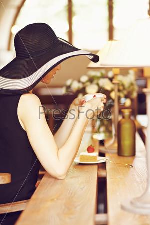 Фотография на тему Незнакомка в кафе