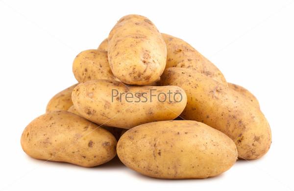 Куча сырого картофеля