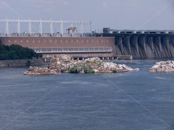 Запорожская плотина и Днепровские пороги
