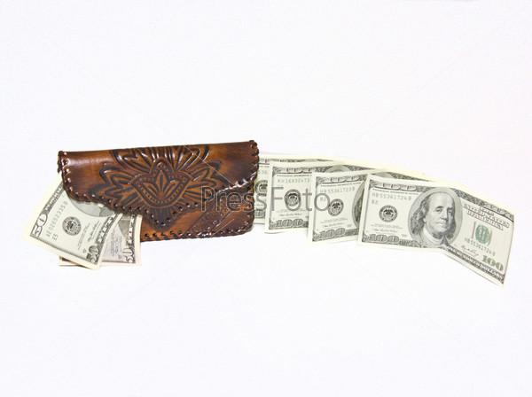 Женский кошелек и поток денег