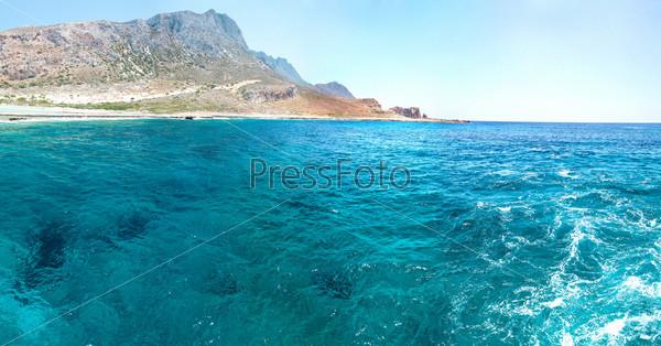 Фотография на тему Пляж Балос. Вид с острова Грамвуса, Крит.     Бирюзовые воды, лагуна, пляжи с чистым белым песком