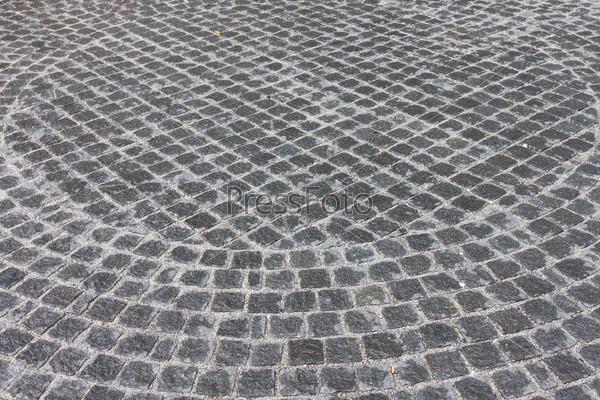 Старая каменная мощеная дорога