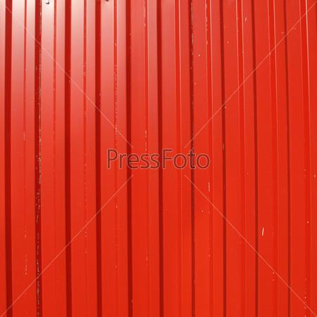 Фотография на тему Красный рифленый металлический лист