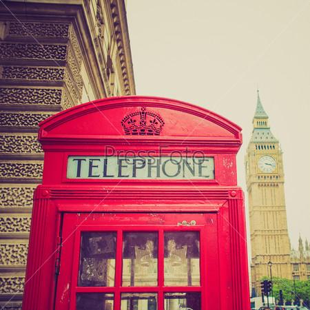 Традиционные красные телефонные будки в Лондоне, Великобритания