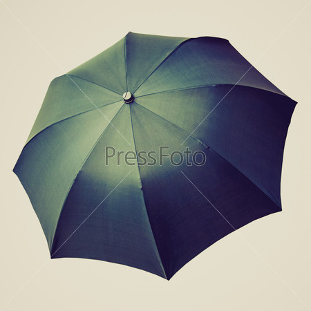 Черный зонтик, изолированный на белом фоне