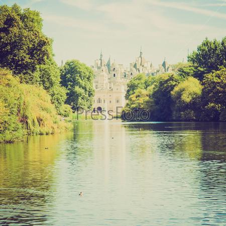 Фотография на тему Парк Сент-Джеймс в Лондоне, Англия