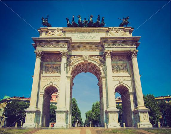 Фотография на тему Арка мира, Порта Семпионе, Милан, Италия