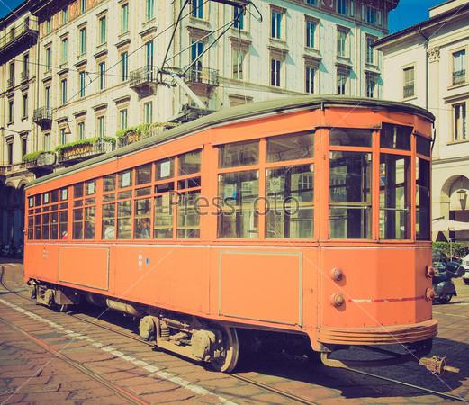 Старинный исторический трамвай-поезд в Милане, Италия