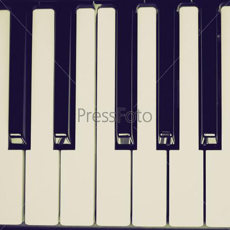 Фотография на тему Черно-белые клавиши пианино