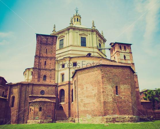 Базилика Сан-Лоренцо алле Колонне в Милане, Италия