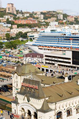 Вид на центр Владивостока с крыши, Россия