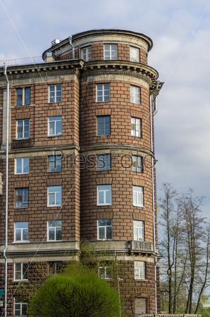 Фотография на тему Современное жилое здание крупным планом