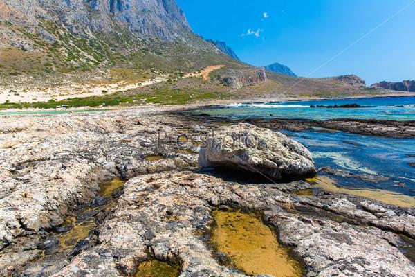 Фотография на тему Залив Балос. Вид с острова Грамвус, Крит. Бирюзовые воды, лагуна, пляжи из чистого белого песка
