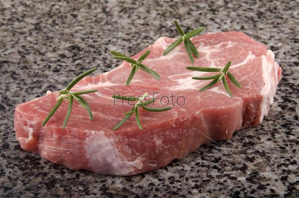 Фотография на тему Стейк из свинины с розмарином