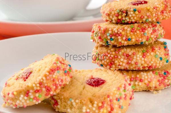 Французское разноцветное печенье