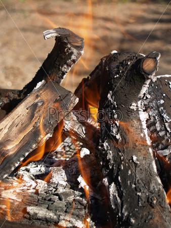 Фотография на тему Горящие дрова