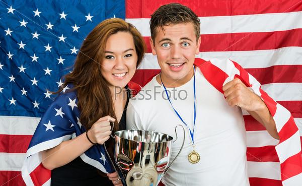 Два американских спортивных болельщика