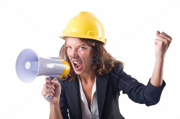Строительный рабочий с мегафоном