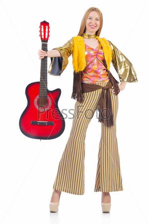 Гитаристка, изолированная на белом фоне