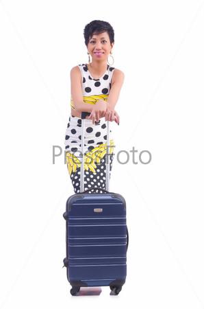 Молодая женщина готовится к отпуску
