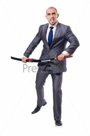 Бизнесмен с мечом, изолированный на белом фоне