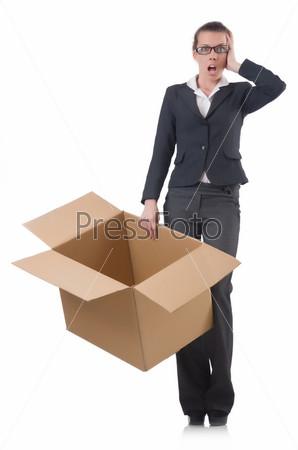 Бизнес-леди с коробками на белом фоне