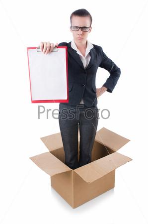 Женщина с баннером в коробке