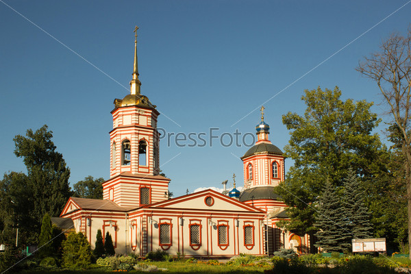 Фотография на тему Храм Воздвижения Креста Господня в Алтуфьеве. Москва, 1763 год