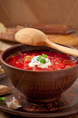 Украинский и русский традиционный суп борщ крупным планом