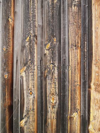 Старые темно-коричневын деревянные стены