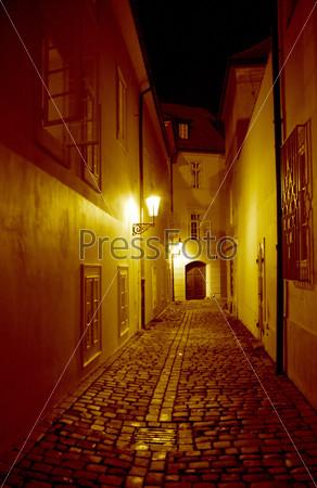 Фотография на тему Ночная улица в Праге
